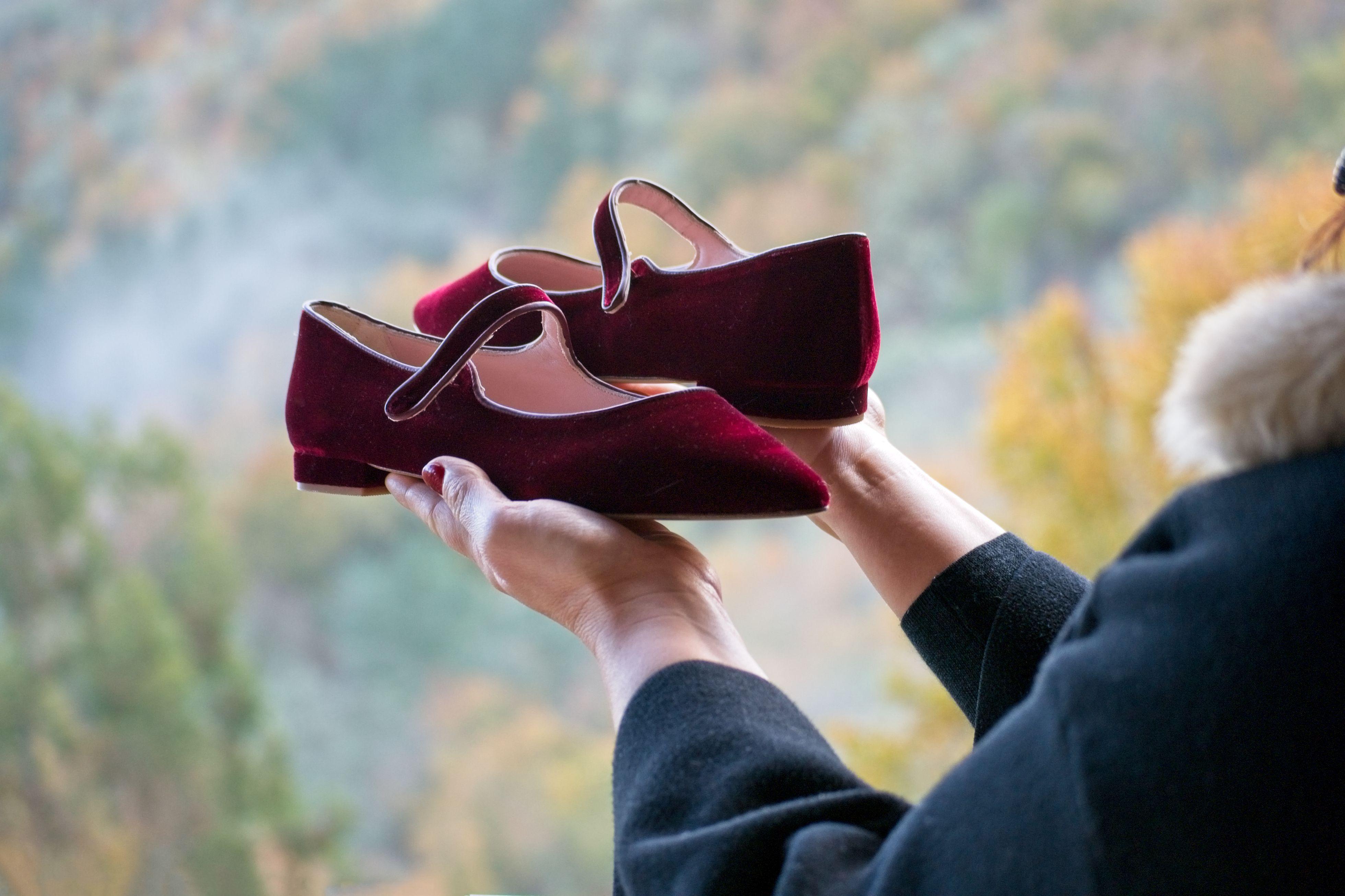 Mary Jane Audrey en terciopelo granate de Bohemian Shoes