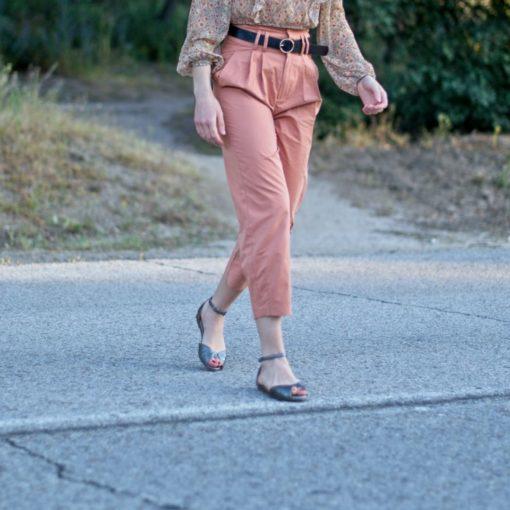 Sandalia plana de mujer modelo Alizée en color plata de Bohemian Shoes