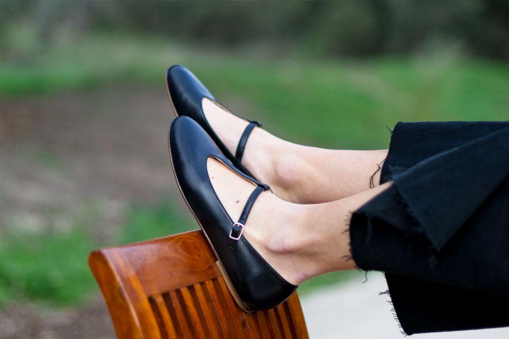 Merceditas tipo T-bar de Bohemian Shoes Odette negro