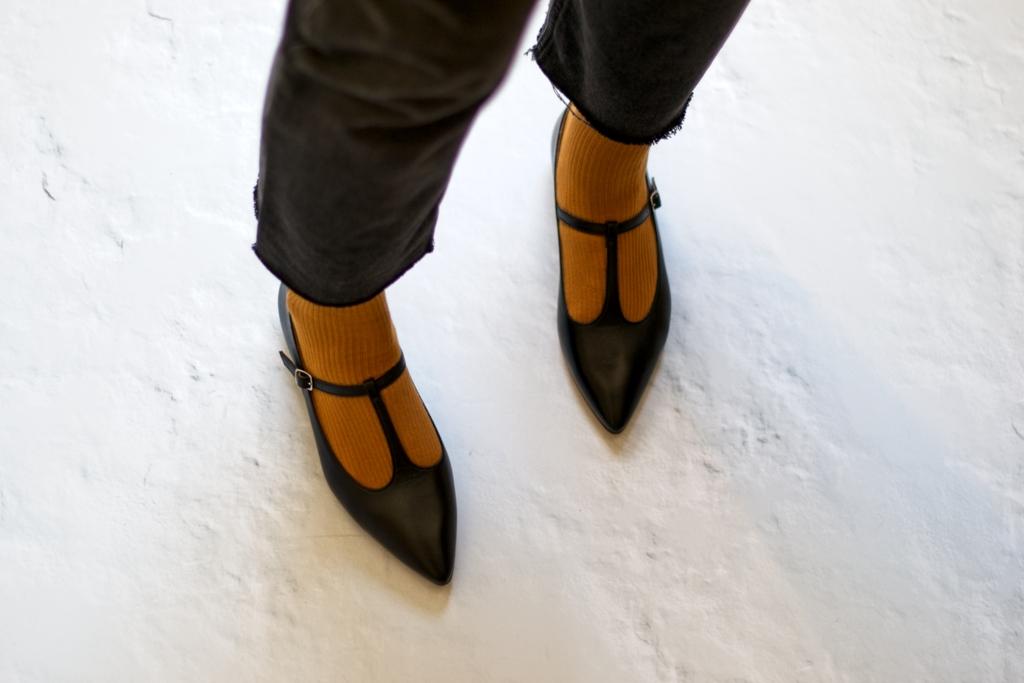 Mary Janes tipo T-bar modelo Cosette de Bohemian Shoes en negro