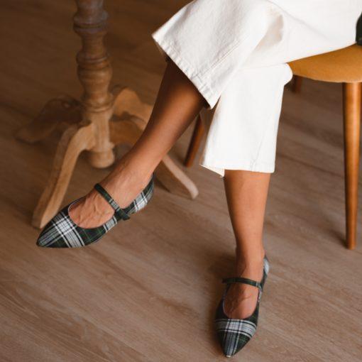 Mary Janes AUDREY - Isle of Guernsey de Bohemian Shoes en cuadros escoceses verdes