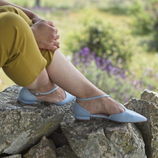 Mary Janes T-bar modelo JULIETTE - Azul claro de Bohemian Shoes