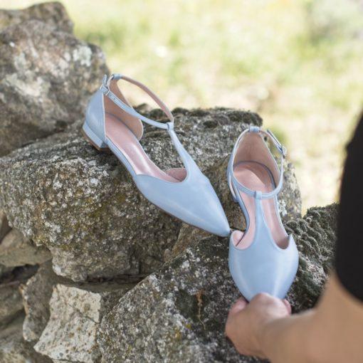 Merceditas T-bar modelo JULIETTE - Azul claro de Bohemian Shoes