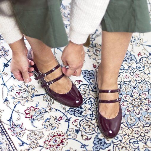 Merceditas NADINE - Burgundy en charol de Bohemian Shoes